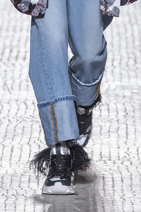 Valentino Actualiza Sus Sneakers En Pasarela Sumandoles 2