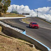 El Honda Civic Type R se embolsa otro récord: esta vez en el circuito de Bathurst y pilotado por Jenson Button
