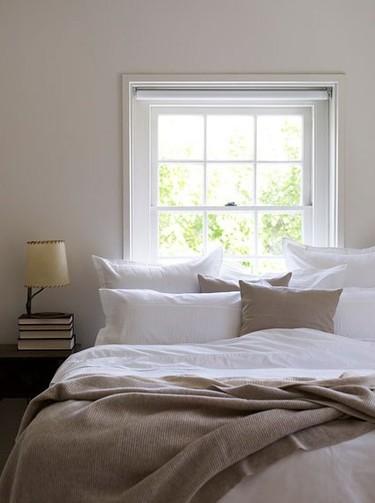 Una ventana como cabecero: ventajas e inconvenientes