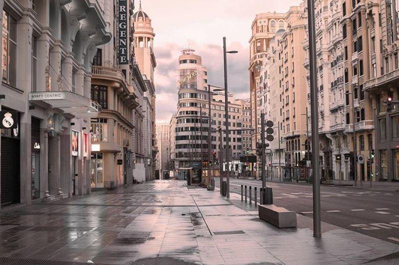 Mientras soñamos con viajar, disfrutamos con las imágenes de las ciudades vacías
