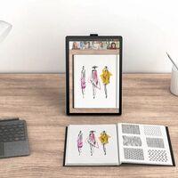 La primera tablet de HP con Windows 11 es un curioso convertible con formato vertical y cámara rotatoria