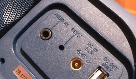 Botón Reset Altavoz Bluetooth