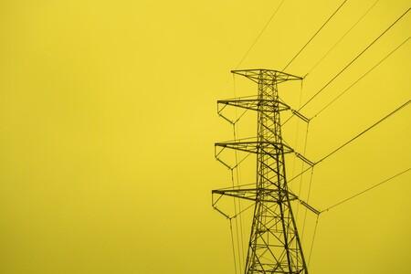 El precio de la luz rompe la barrera de los 200 euros el megavatio hora: por qué la llegada del otoño no se está traduciendo en una bajada de precios