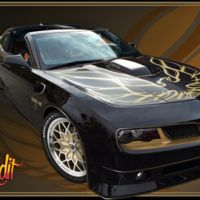 Burt Reynolds apadrina el renacer de un mito. Sólo 77 unidades del Pontiac Trans Am SE Bandit Edition