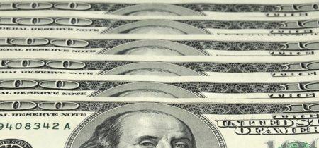 Llaman a terminar con el billete de 100 dólares