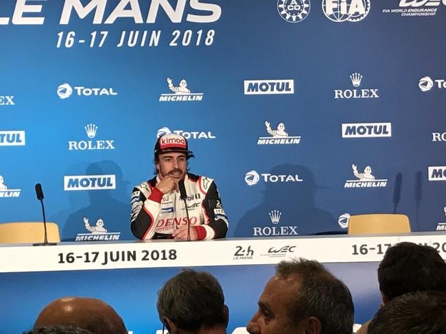 Fernando Alonso termina su primer relevo en Le Mans. Los dos Toyota a la cabeza
