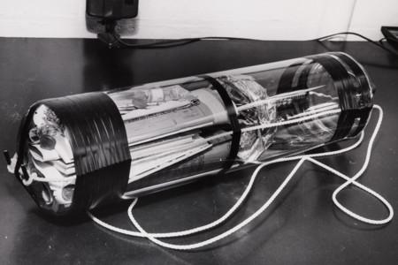 Hagamos un viaje al pasado gracias a la cápsula del tiempo del MIT enterrada en 1957