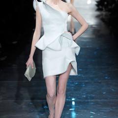 Foto 10 de 16 de la galería armani-prive-alta-costura-primavera-verano-2010-vestidos-de-noche-inspirados-en-la-luna en Trendencias