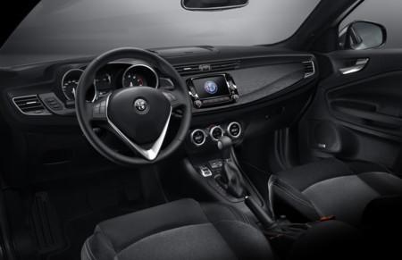 Alfa Romeo Giulietta interior