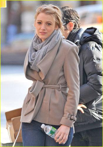 ¡Quiero la chaqueta de Blake Lively!