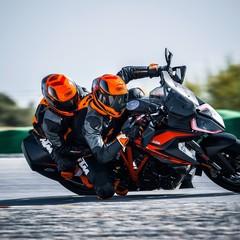 Foto 5 de 32 de la galería ktm-1290-super-duke-gt-2019-1 en Motorpasion Moto