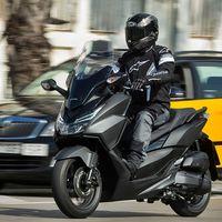 Barcelona restringirá la circulación de las motos sin etiqueta medioambiental, y son un 40%