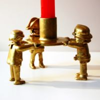Candelmobil, un original candelabro sujetado por Clicks de Playmobil
