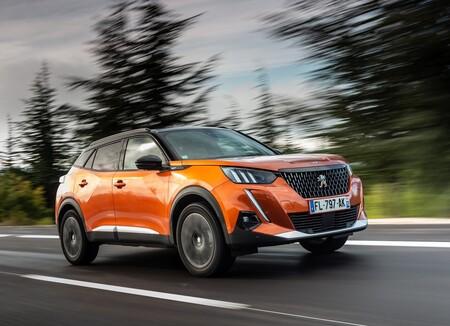 El Peugeot 2008 expande su gama en México: estrena motor de acceso y asistencias de manejo