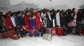 Millones de viajeros chinos varados por el temporal de nieve