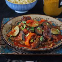 Pisto marroquí con dátiles: receta aromática de contrastes