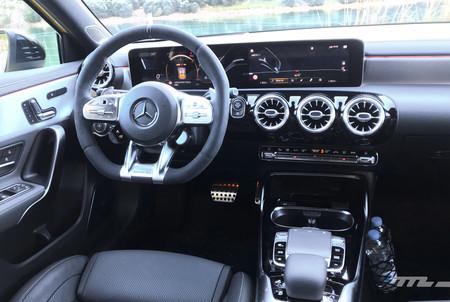 Mercedes Amg A35 13