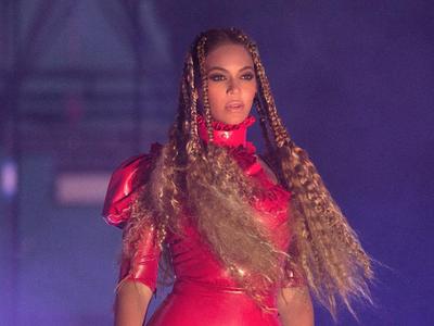 Beyoncé ya no está para conciertos, y Natalia Verbeke a punto de ser mamá