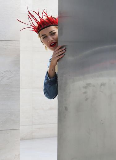 ¿Rita Ora es la nueva Rihanna? 15 looks de calle llenos de excesos