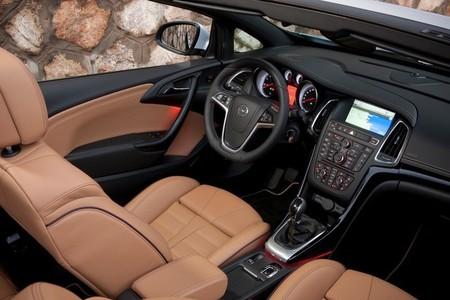 Opel Cabrio 2013, vista interior