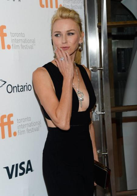 Naomi Watts monísima de Stella McCartney en el Festival de Toronto