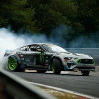 Video: ¿Para qué intentar la vuelta más rápida del Nürburgring cuando puedes recorrerlo drifteando en cada curva?