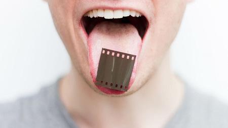 """""""Inside out"""": su aparato digestivo es su peculiar cámara de 35 mm"""