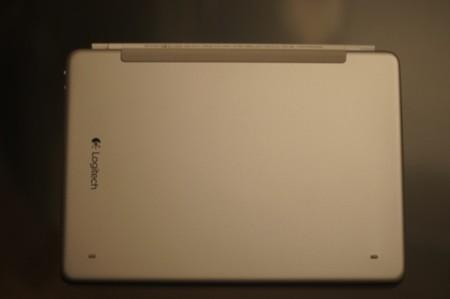 Parte trasera del Ultrathin Keyboard Cover para iPad Air