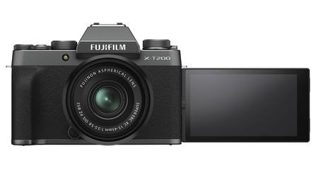 Fujifilm X T200 02