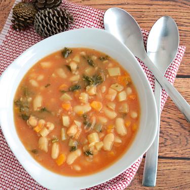 Sopa de verduras con alubias, tamales de pollo y más en Directo al Paladar México