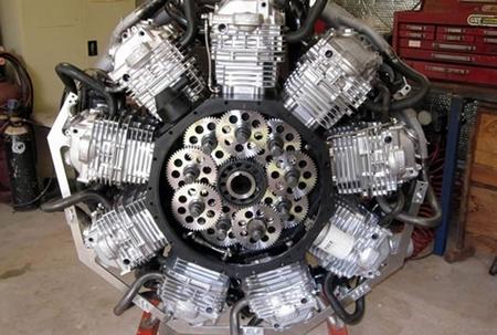 Motor radial para aviones a partir de 9 monocilíndricos de Honda XR600