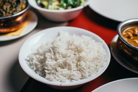 Sí, el arroz contiene arsénico, pero no debes preocuparte si tomas estas medidas