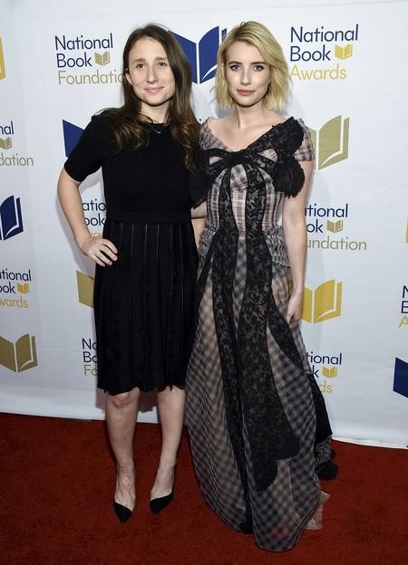 national book awards look estilismo outfit alfombra roja emma roberts