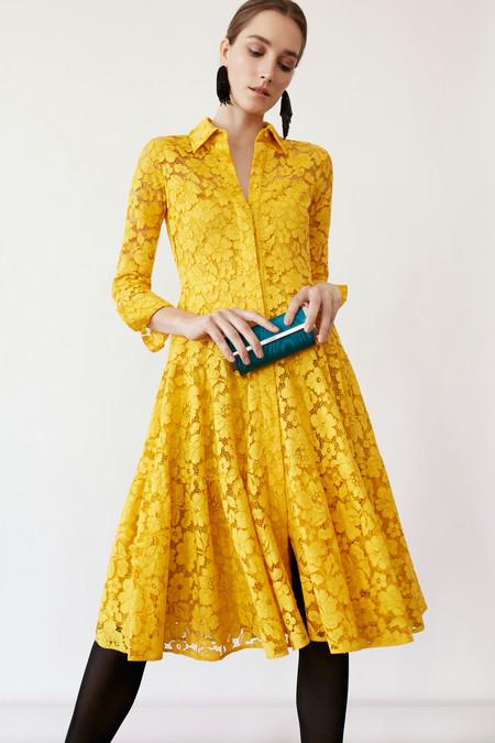 c3677539f82c2 Vestidos de fiesta de Carolina Herrera para ser una invitada de alfombra  roja