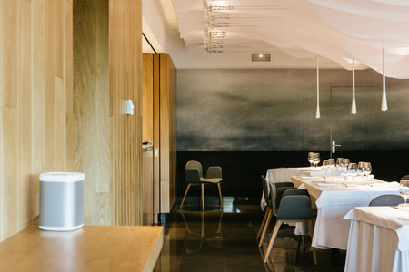 USM decora el restaurante Huarte, en el Museo de la Universidad de Navarra, inspirándose en el mar