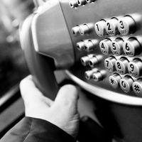 Llamar a un 902, 806 o similares: hasta seis veces más caro desde un móvil