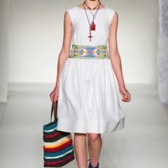 Foto 27 de 43 de la galería moschino-primavera-verano-2012 en Trendencias
