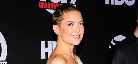 Kate Hudson encuentra el vestido perfecto para su pelo rapado: la espalda al aire más espectacular
