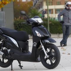 Foto 35 de 53 de la galería mx-motor-c5-125-primer-scooter-de-rueda-alta-de-la-marca-espanola en Motorpasion Moto