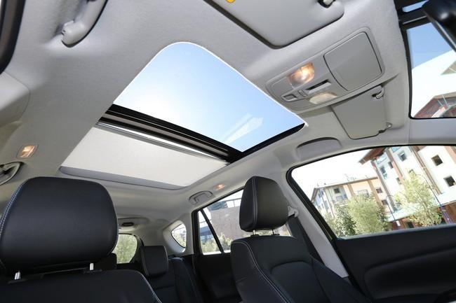 Suzuki SX4 S-Cross 2013 con techo panorámico