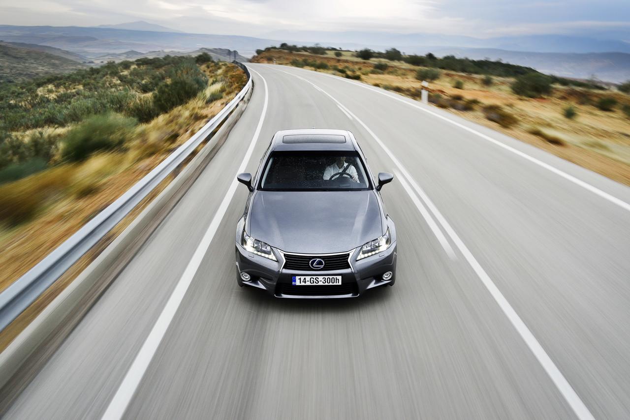 Foto de Lexus GS 300h (81/153)
