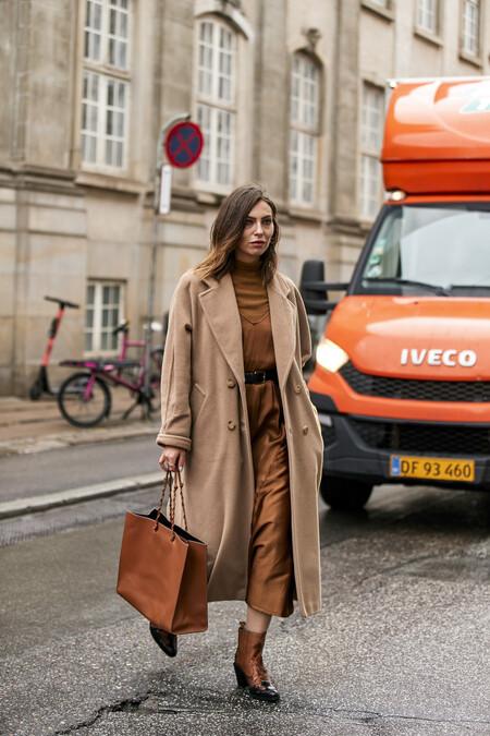 Este abrigo camel de H&M es el básico perfecto (y atemporal) que combina con todo por menos 35 euros