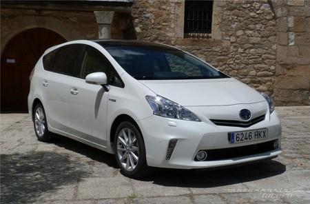 Toyota Prius+ frontal