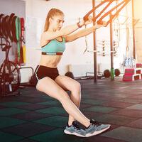 Cinco ejercicios con TRX para entrenar tus piernas en casa