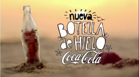 Coca-Cola y su botella hecha de hielo