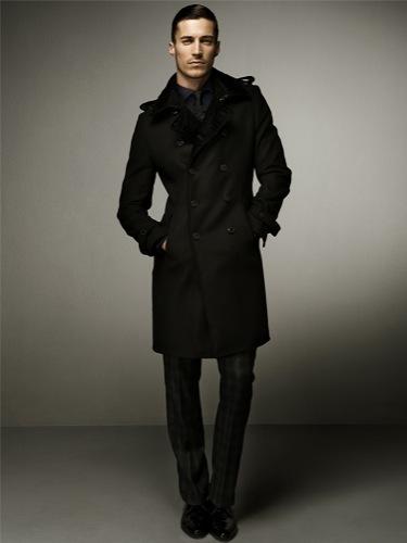Zara y sus looks elegantes para esta Navidad: lookbook completo, abrigo
