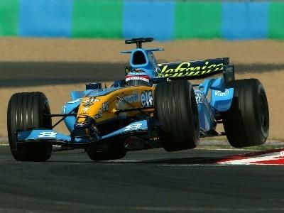 Alonso vuela en la última chicane