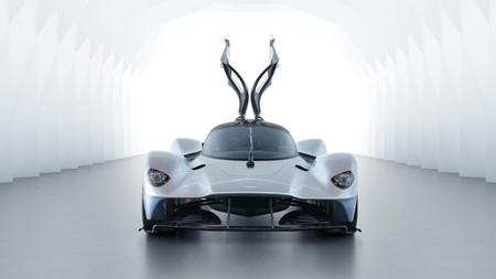 Saluda al renovado Aston Martin Valkyrie antes de que te lo vuelvan a cambiar por otro más increíble todavía