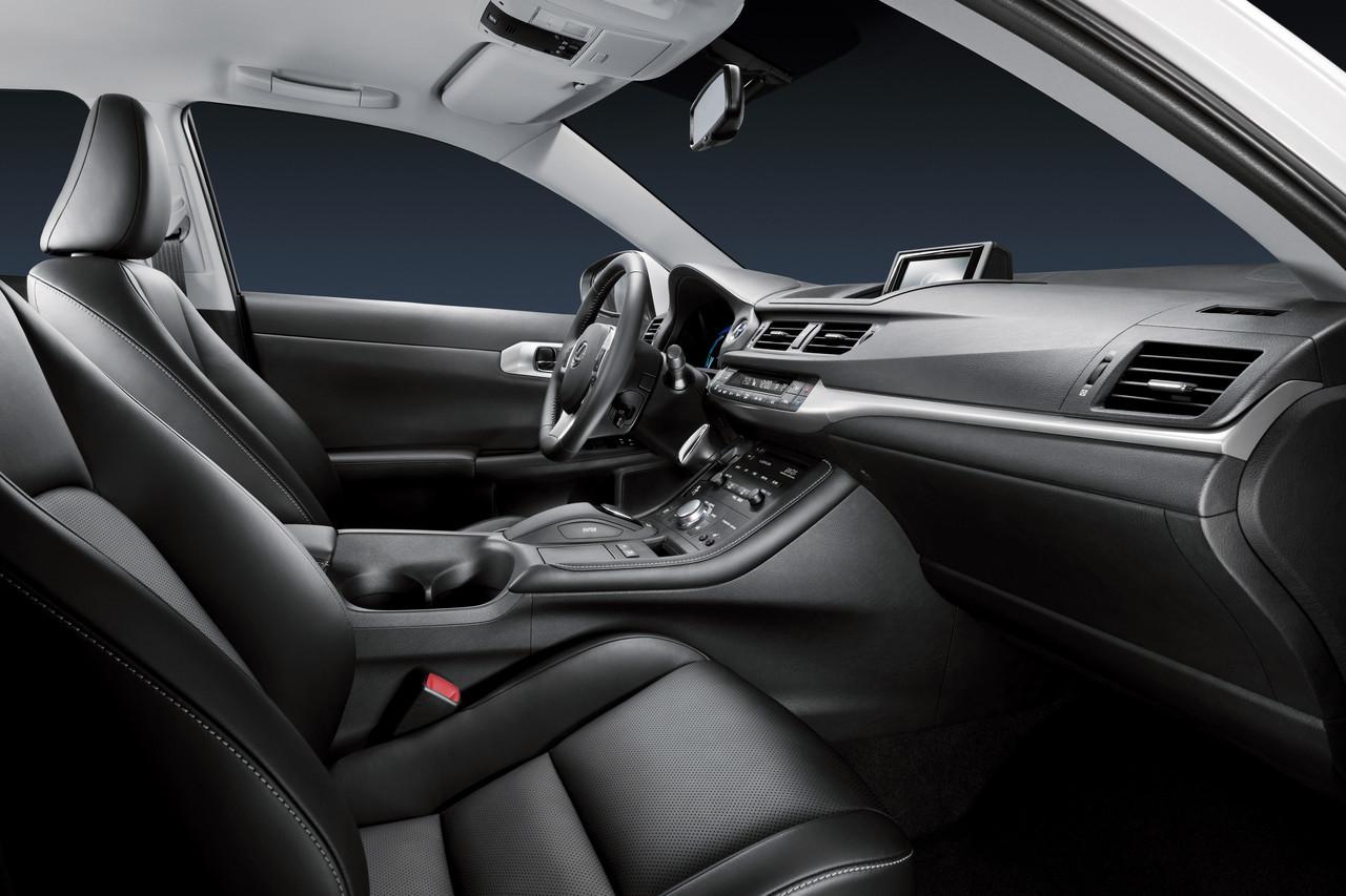 Foto de Lexus CT 200h (83/164)