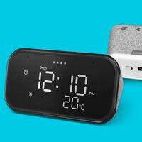 A mitad de precio: regalar un original despertador inteligente como el Lenovo Smart Clock Essential sólo cuesta 29,99 euros en MediaMarkt